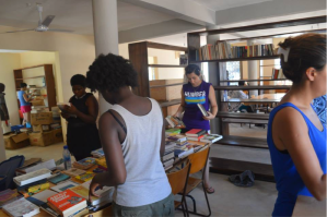 Students with Links Across Borders International Community Development Program travelled from Toronto to help with the setup of our first library in Ghana